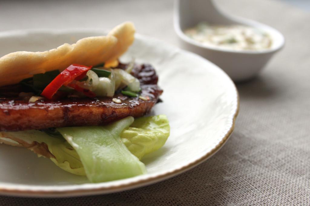 pork bun z sosem