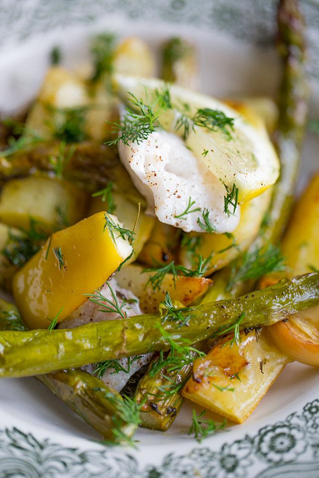 Pieczony Dorsz Z Młodymi Ziemniakami I Zielonymi Szparagami Blog