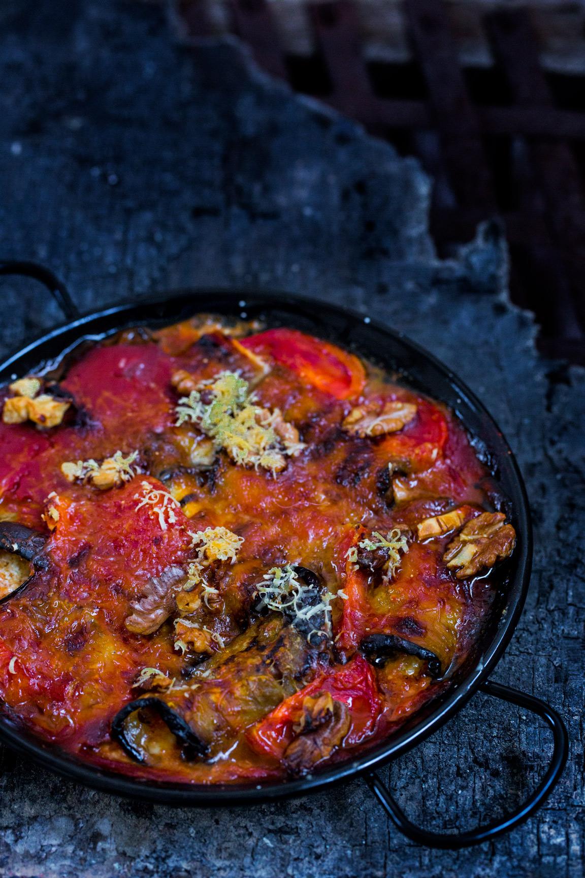 Zapiekane w sosie pomidorowym roladki z bakłażana